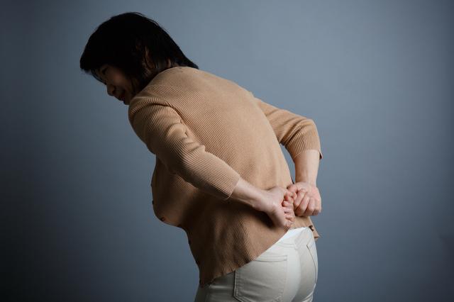 あなたはどちらかチェックして。「けがや病気が原因の腰痛」と「心配のない腰痛」