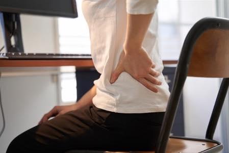 閉経後、便秘と共に「腰の痛み」が悪化し、ついに...⁉ 53歳女性のお悩み/更年期「漢方」相談室(24)