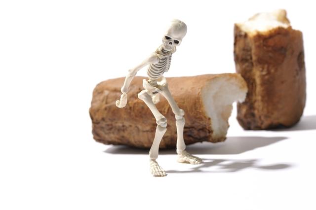 60代以上の女性の3人に1人が骨粗鬆症! 寝たきりにならないために骨を守ろう/骨活