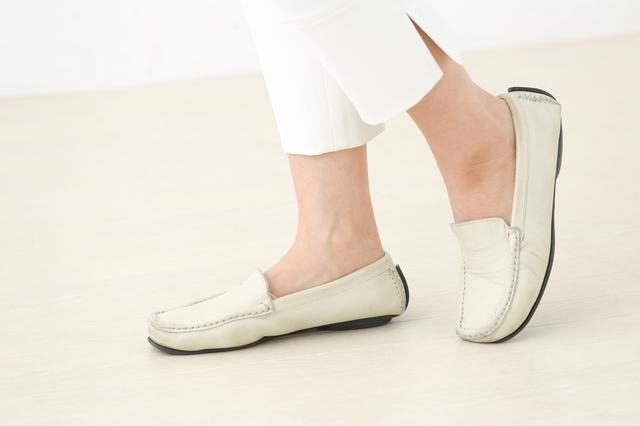 靴のタイプ別にアドバイス。足の痛みやトラブルを回避する靴の選び方/魚の目・タコ・イボ