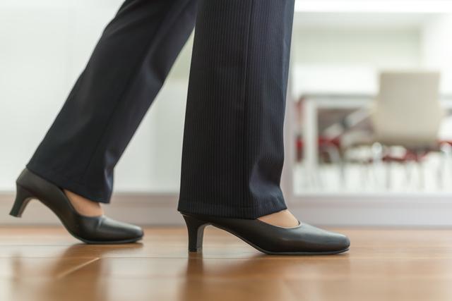 まずは歩き方から見直して! 外反母趾を悪化させない3つのポイント/ご存じですか?外反母趾(4)