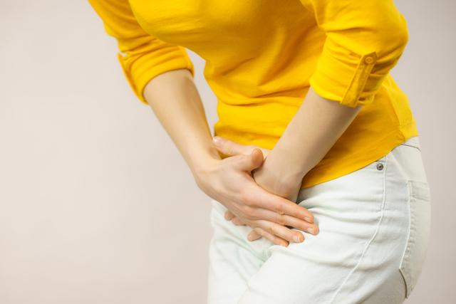 股の間に違和感が...。子宮やぼうこう、直腸が下がる病気の可能性も!?/気を付けたい、骨盤臓器脱(1)