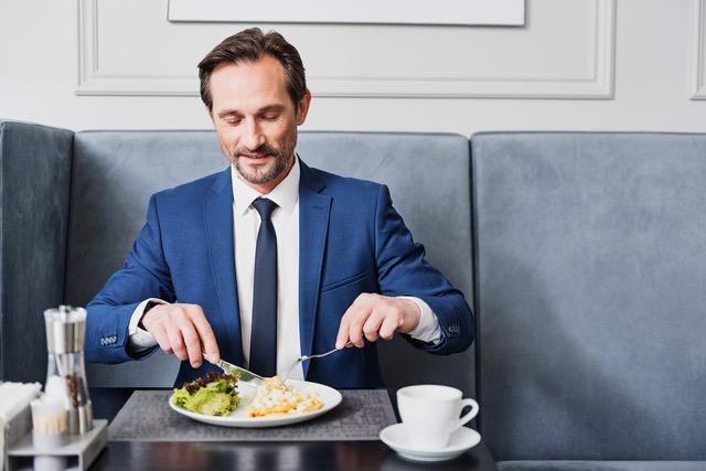 エネルギー消費の60~70%は生命を維持するための基礎代謝/稼げる男は食事が9割(12) | 毎日が発見ネット