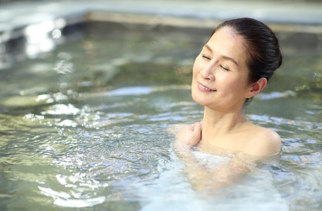 坐骨 神経痛 お 風呂 【正解は?】坐骨神経痛は温めるか冷やすかどっち?