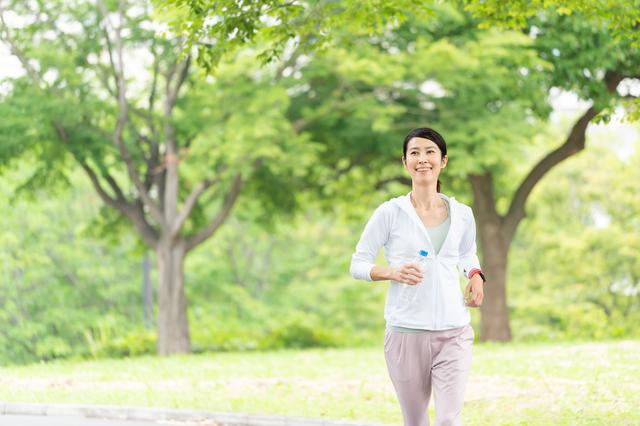 体を動かすことで脳細胞は増えます。定期的な「有酸素運動」のススメ