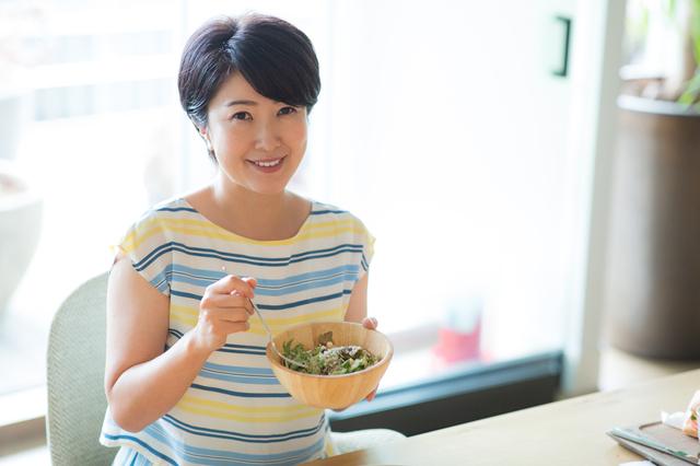 「食べ物をしっかり噛む」ってやっぱり大事!口臭予防にボケ防止、小顔にまで効く「噛むことの7つの効果」