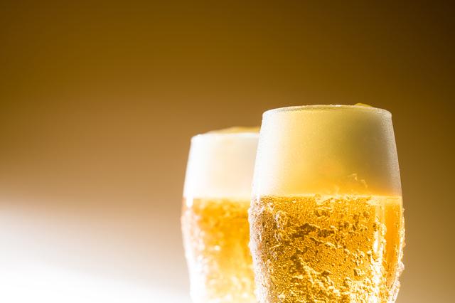 「ビールをもう1杯ください」中学3年間の英語でデキル!日常会話(1)