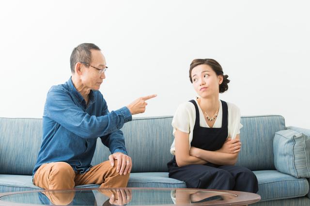 自分の考えに従わせようとする親に、つい冷たい態度をとってしまう/岸見一郎「老後に備えない生き方」