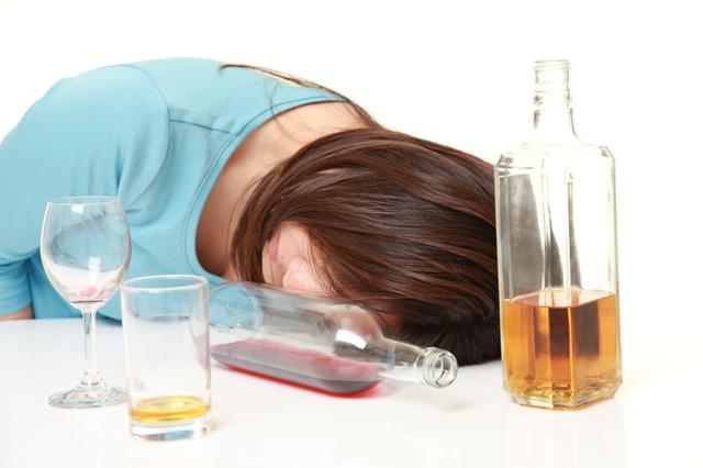 日本人が西洋人に比べてお酒に弱い理由/地球の雑学