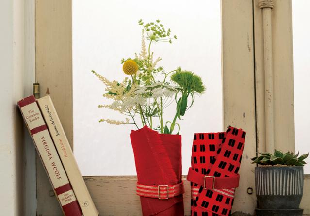 1本のきものの帯でいくつもできる! 鉢や花器、掛け花の「カバー」と「テトラポーチ」の作り方