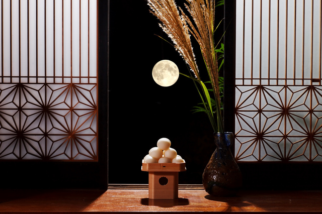 重箱を開け月かげを溢れしむ/井上弘美先生と句から学ぶ俳句