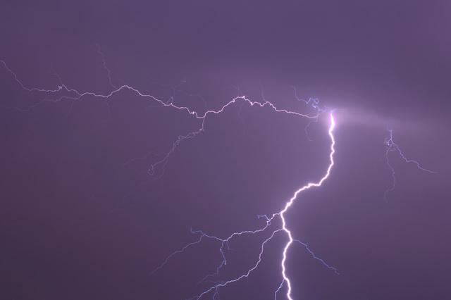 雷が発生するそもそものメカニズム/地球の雑学