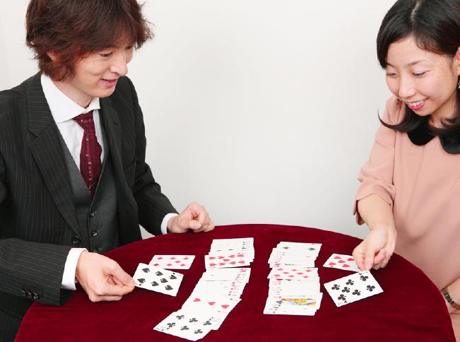 2人の相性はバッチリ! ミラクルフォー~実践編 かんたんマジック(14)【連載】