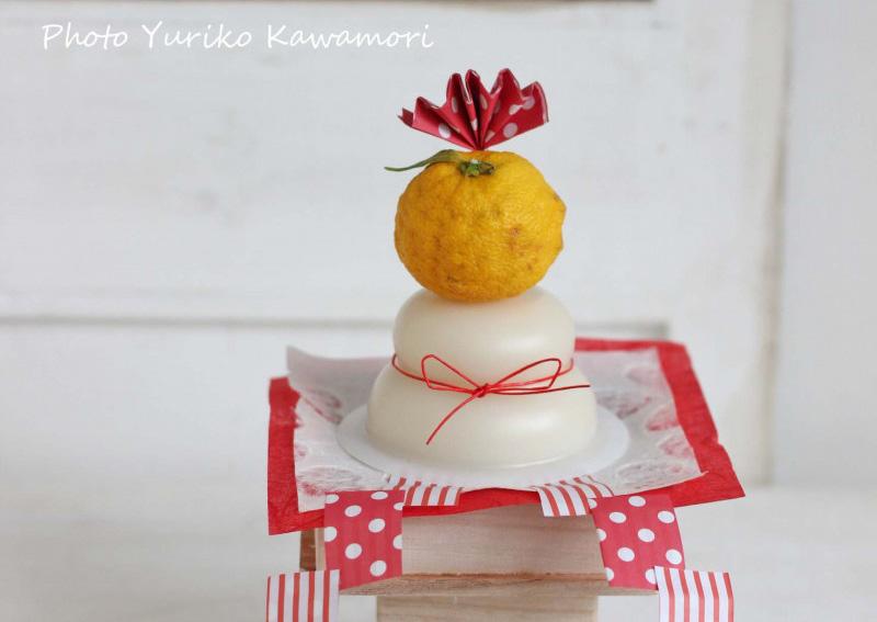 合計500円!ダイソーで揃えた鏡餅飾り♪プチプラdeフラワーアレンジ【連載】