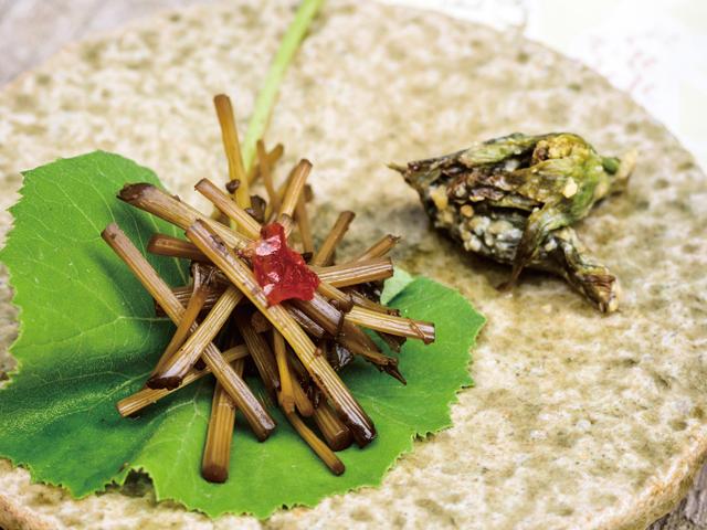 春爛漫!「ふきと豆」のレシピ2選/人気ガーデナーに聞いた春の旬ご飯レシピ