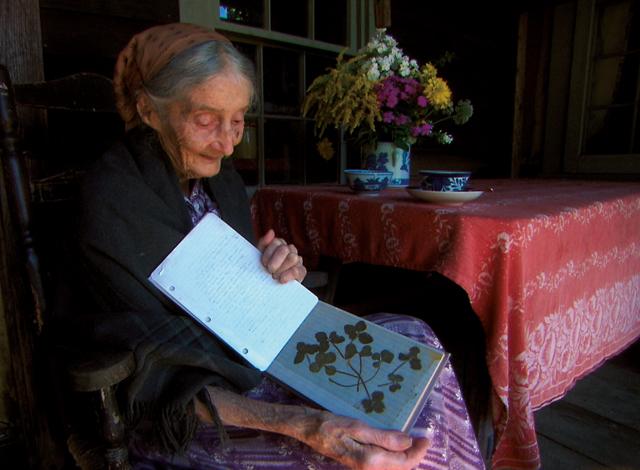 「毎日が平凡であるのはすごいこと」ターシャ・テューダー 花と動物を愛したアメリカの絵本作家(前編)