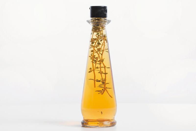 減塩効果も! 自家製のハーブビネガー&ハーブオイルで香り立つ食卓を♪