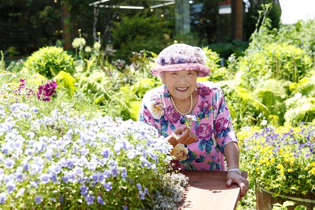 北海道・帯広に15000坪の庭を持つ90歳。紫竹おばあちゃん「花咲く野原を夢見ています」