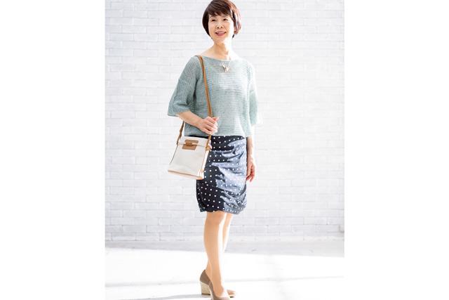 大人世代の女性に。いつものスカートを「大人スカート」に変えるコーデ術