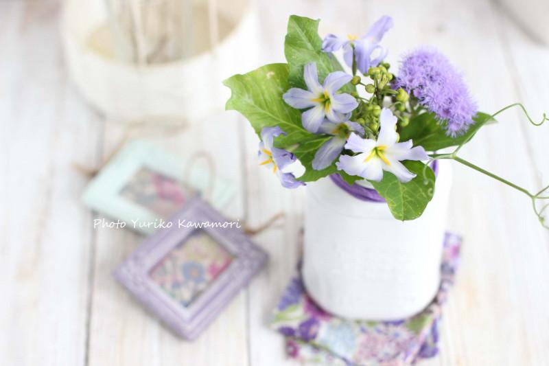 紫色の春の花をダイソーのヒモでおめかし♪プチプラdeフラワーアレンジ【連載】