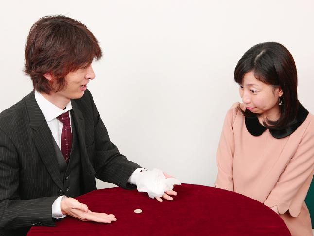 意表をつくエンディング! 貫通コイン2〜実践編 かんたんマジック(12)【連載】