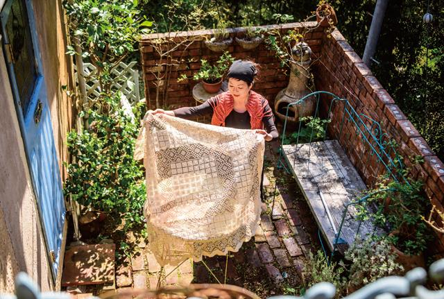 ガーデナー・水谷昭美さんの庭で芽吹きをいただく「春の旬ご飯」