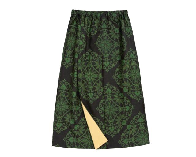 「ほどかない」きものの形を生かしたリフォーム。手ぬいでひらりと揺れる「スカート」