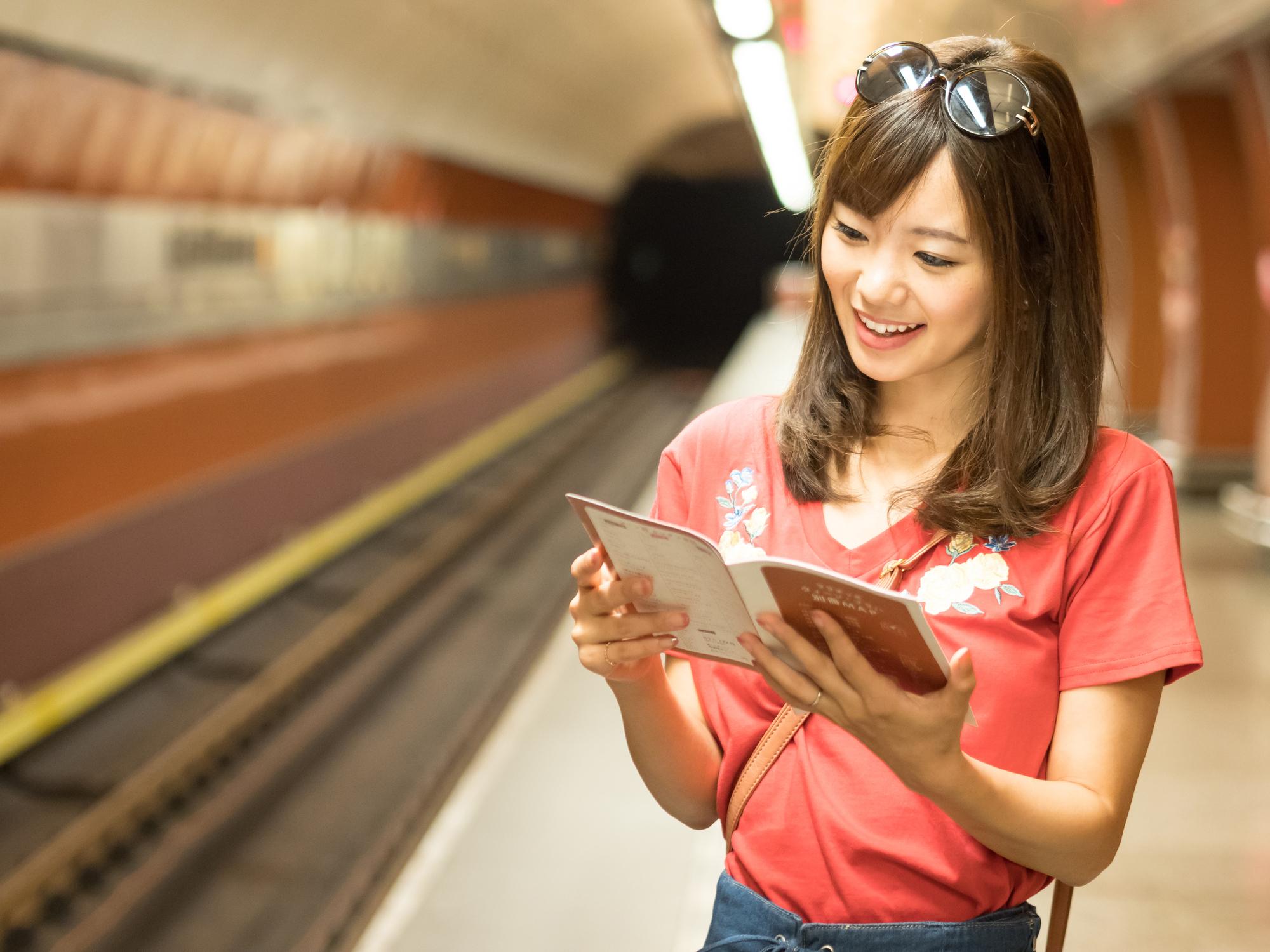 「地下鉄の路線図をもらえますか?」中学3年間の英語でデキル!日常会話(4)