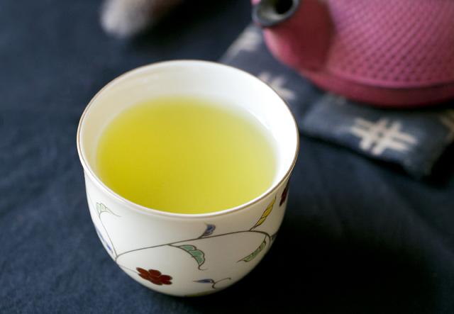 血液サラサラ! 緑茶のちょこちょこ飲みで「ケルセチン」のパワーを体に取り込もう