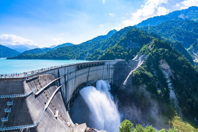 抜群の貯水力! 国土を守る巨大建造物「ダム」のしくみ/すごい技術