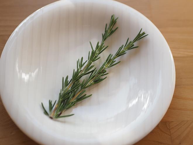 ハーブがある暮らしを楽しみませんか? ローズマリー&ミントを使ったハーブ料理を【作ってみた】