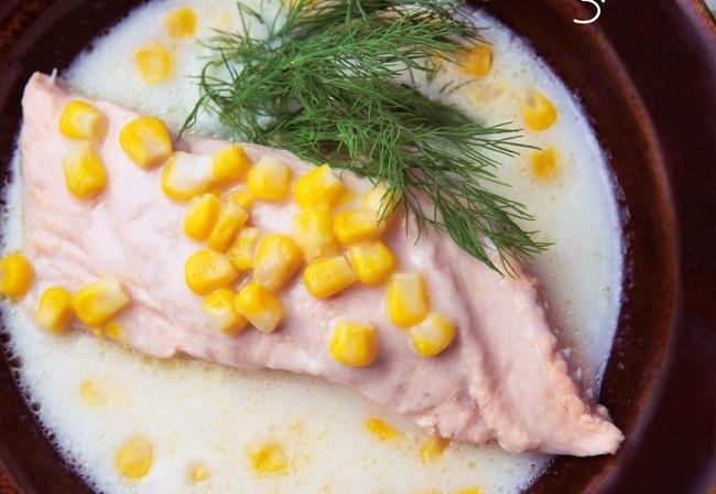 調理時間は10分!忙しい月曜夜に最適なスープ「鮭とコーンクリームスープ」レシピ