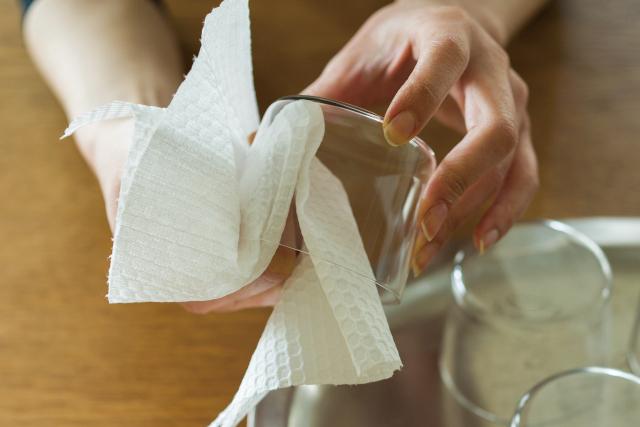 布巾を使ってきた私がキッチンペーパーにした理由。忙しい40代こそ...あえて「しない」選択を