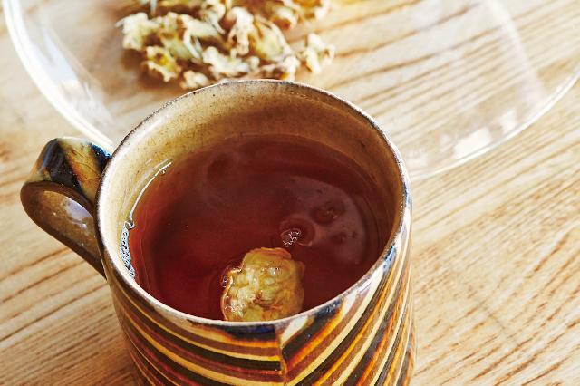 レンジで作れるDIY漢方!手足ぽかぽか「蒸ししょうがの紅茶」レシピ