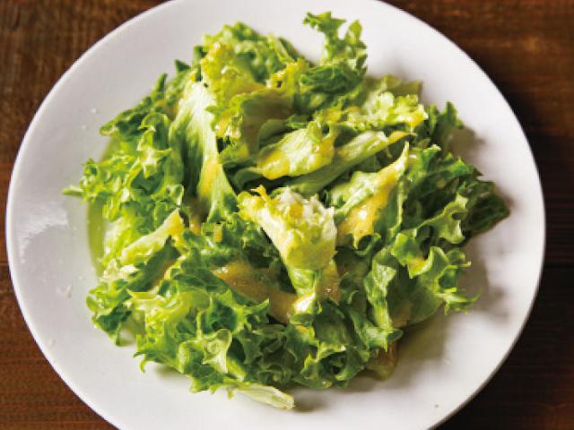 「ドレッシングは酢1:油3」伝説の家政婦・志麻さんのフレンチレシピ「グリーンサラダ」