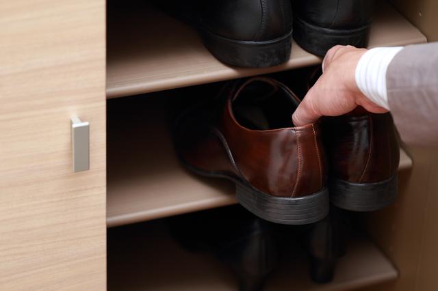 知っておきたい!靴箱に靴を2倍収納できるテク&自家製消臭剤