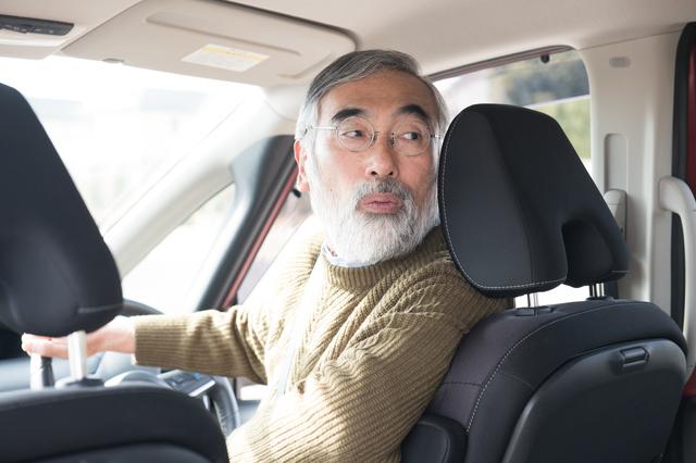 運転免許証の返納を考えているのは何割? 高齢ドライバーが車の運転を止めない理由