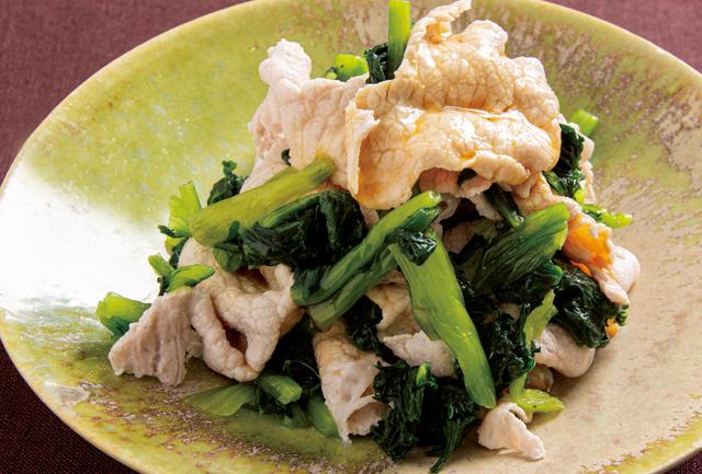 生で冷凍して解凍すると...!? 料理人が教える「目からウロコの小松菜レシピ」