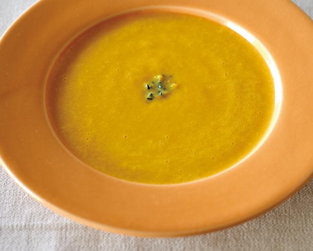 カボチャとレモンの恵みをたっぷり味わって。肌が喜ぶ「ビタミンスープ」2選