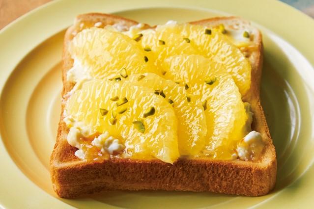 果物やはちみつでやさしい甘さ! 毎日の食パンが大変身する「甘い」トーストアレンジ4選