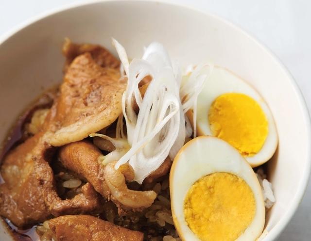 空腹で帰る火曜の夜に♪ボリューム満点のスープレシピ「こってり角煮風の豚肉汁かけ丼」