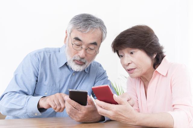 スマホやLINEはどのくらい使っている? 60代以上の通信・ITデバイス事情/今どきシニアのホンネ(10)