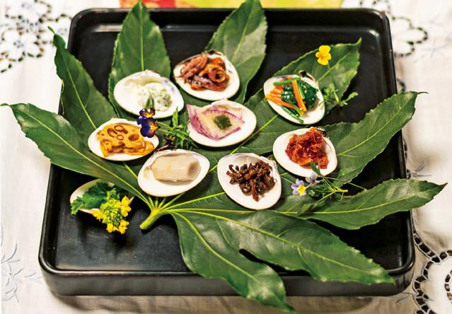 はまぐりの貝殻で華やぐ「ひな祭り膳」。家にいつもある調味料で作れます/暮らしの晴れ間
