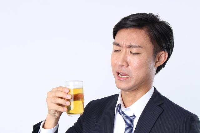 月1万円の酒代も10年で120万円に!「お酒を飲まない」ことでお金はもちろん時間の節約にもなる/節約ハック