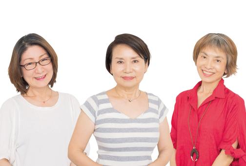 アラカン女性3人が8つの「白髪かくしコスメ」を実際に試してみました!【採点編】