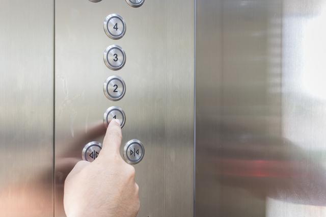 エレベーターは「階数」より「閉」を先に押す~無駄を省く/時短術大全(22)
