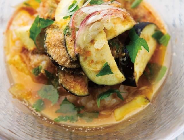 スープ作家・有賀薫さんのお助けレシピ♪ おダシが香る「なすとみょうがの冷や汁」