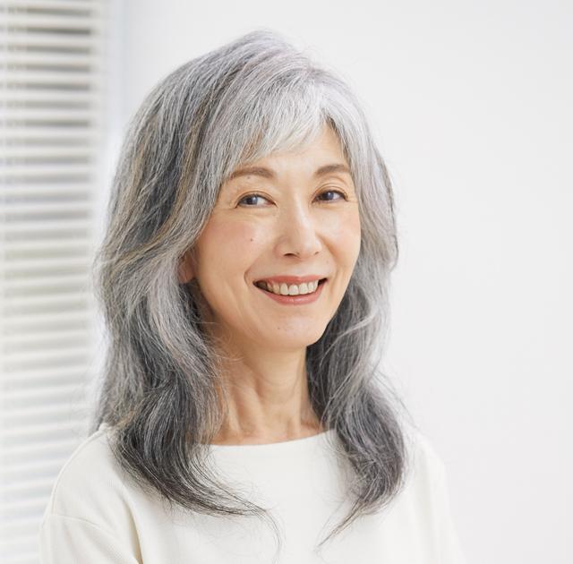 参考にしてみて! 白髪をいかす「グレイヘア」のテクニック