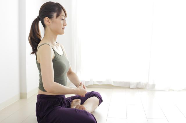姿勢は?目線は?毎日3分で心落ち着く「坐禅瞑想」のやり方
