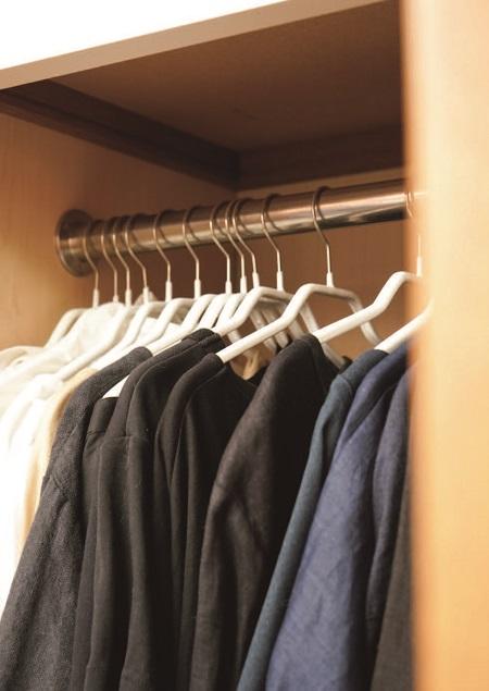 「1軍の服」はたったの2割。悩む時間がなくなる「服をもたない暮らし」